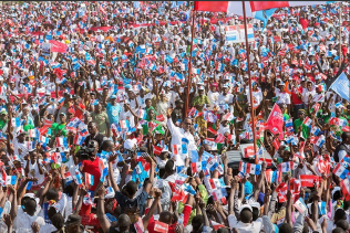 Kagame and his crowd 2017